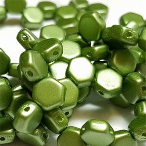 PASTEL Olivine - 30 beads
