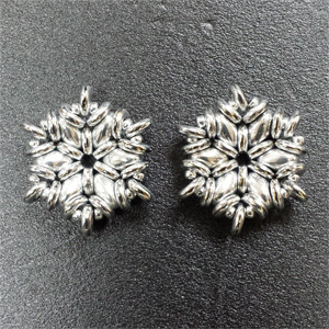 Flakes Silver